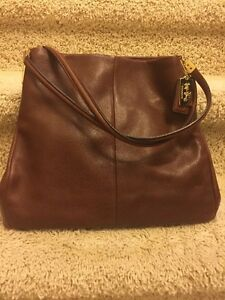Coach purse in mint condition  Kitchener / Waterloo Kitchener Area image 2