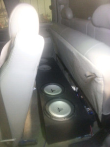 4 jl 10s w/amp for ext cab gm truck
