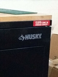 BRAND NEW Husky toolbox 52inch soils wood top that opebs.