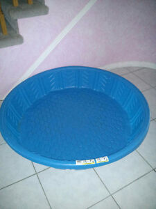 Children's Wading Pool- Mint Condition!
