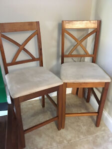 2 Counter height Chairs in good condition