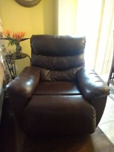 Lazy-Boy Recliner - Leather (Brown)