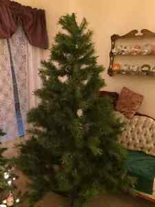 Very nice 6 ft Christmas Tree $45 OBO in Riverbend