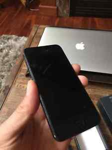 iPhone 5S – 16GB – Black with Telus