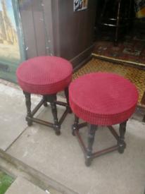 2 pub bar stools
