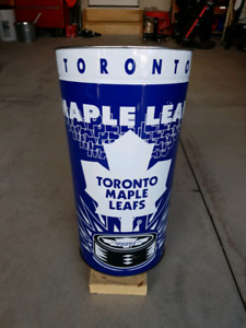 Maple leaf garbage can