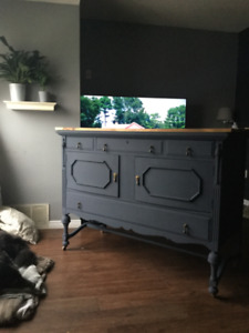 GORGEOUS Antique Sideboard/Buffet/Tv Console - Delivery