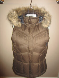 COLUMBIA Down Filled Vest Like New!  Small