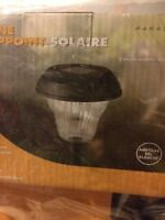 Solar lights new! Perfect for a front yard or back yard