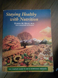 Staying Healthy with Nutrition by Elaine Haas MD - Used Conditio