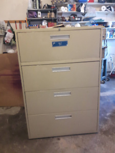 File Cabinet lateral 4 drawer