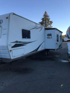 34 foot rockwood ultra lite!! $7200.
