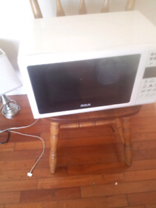 Rca whit microwave almost new small size