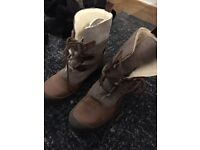 Hush Puppies women winter fur boots Size 5.5