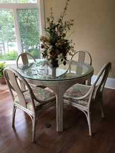 BEAUTIFUL RATTAN TABLE AND FOUR CHAIRS