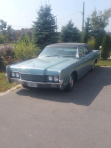 1966 Lincoln Continental, four door