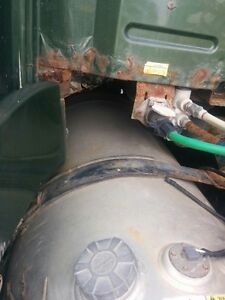 Fuel tank from 2001 Volvo VNL64T