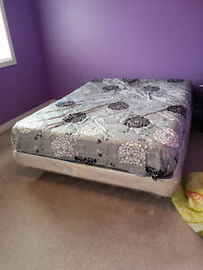 King size Bed: Mattress + Wooden Box Spring + Stand