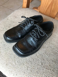 Boy's Size 1 Dress Shoes