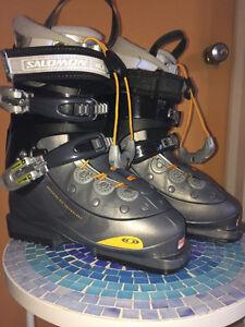 Bottes de Ski Salomon Women taille 5 . 1 ∕2 très propre