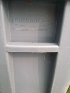 Big Rubbermaid commercial garbage can