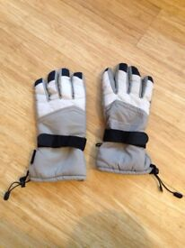 Thinsulate ski/snowboard gloves