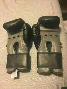 2 new century boxing gloves  Kitchener / Waterloo Kitchener Area image 4