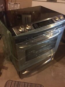 GE microwave and Range For Sale