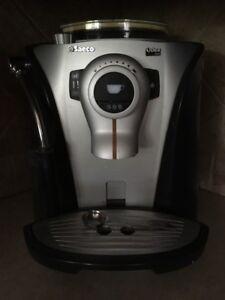 Machine a café et café espresso Saeco