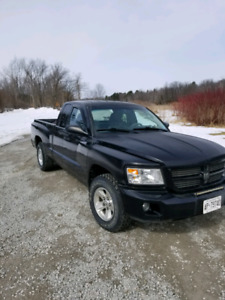 2008 dodge dakota 3.7 v6 low kilometers