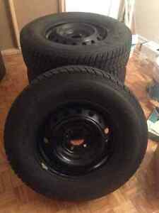 235-70-16 Ford Escape 5x114.3 nexen SUV