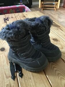 Baby Gap Winter Boots, never worn, size 5