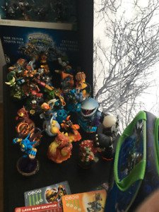 Figurines Skylanders + Swap force Dark edition NON OUVERT X360