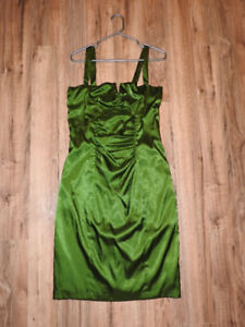 BEAUTIFUL green LE CHATEAU dress (size medium) - only $35!