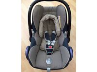 Maxi cosi car seat with raincover