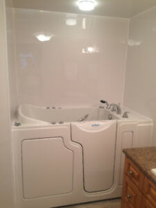 Safe Step Walk In Tub in excellent condition. Works perfectly. $