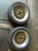 Two Simmons classic wheels, with tires