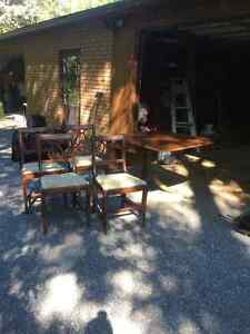 Duncan Fyfe dinning table a 4 chairs Kawartha Lakes Peterborough Area image 1