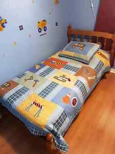 Twin Bed and quilt / sheets