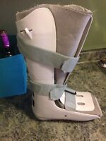 Large walking boot/ air cast