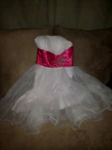 Prom dress size 6 short style w corset back