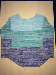 Pull fille bleu Children's Place, 5-6 ans S/P en excellent état