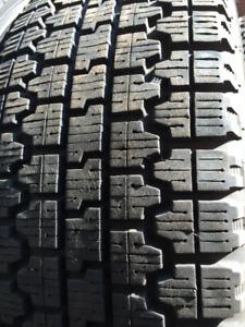 12 Pneus Hiver 185 70 R14 Usagés Pirelli Blizzak Altimax $144.00