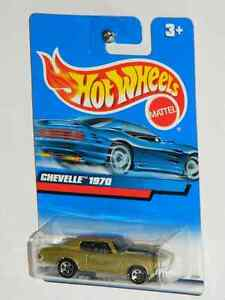 Hot Wheels 1/64 Scale 1970 Chevelle SS Diecast Cars