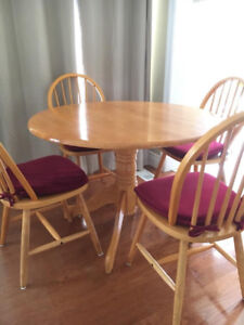 ikea table  4 chairs