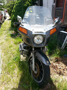1983 HONDA GOLDWING GL 1100 WITH DIGITAL DASH AND LOW KM!
