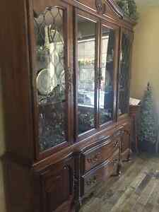 Gorgeous china cabinet - 2 pieces