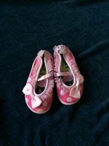 6T minnie mouse water shoes