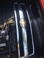 07-13 Chevy grill