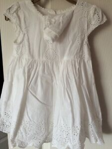 Baby girl dress 3 dresses for $20 excellent 12-24 m